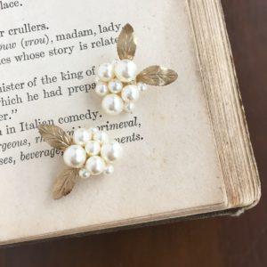 パールのお花咲く真鍮リーフ ピアス・イヤリング